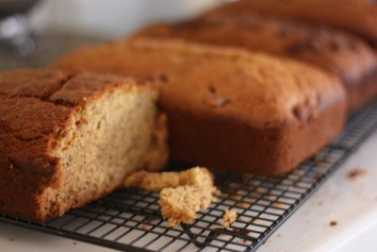 Easy Banana Bread – Baking in bulk