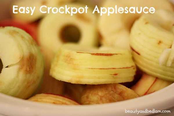 How can it be this easy? Yes, it is!! Easy Crockpot Applesauce - 100% healthy and delicious.