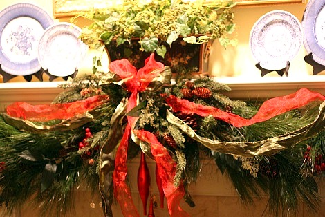 Decorating A Mantel For Christmas