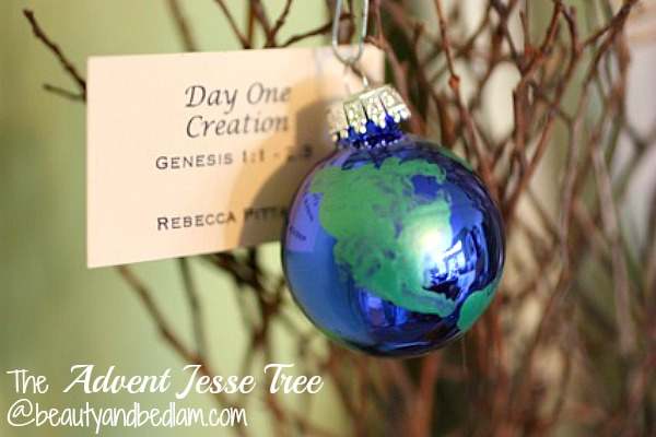 The Advent Jesse Tree @beautyandbedlam. Such a special way to prepare your heart for the advent season, plus lots of ornament ideas