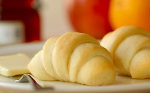 butterhorn rolls 500x310 Thanksgiving Dinner Menu Ideas