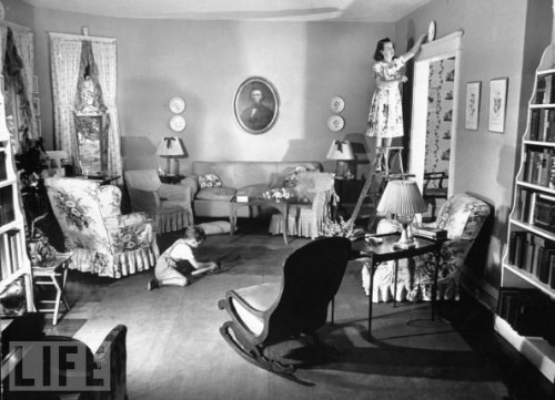 Do you decorate above your doors balancing beauty and for Living room 1940