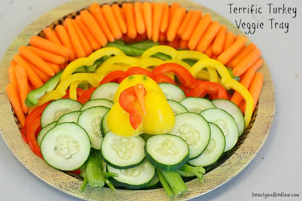 This is such a fun Vegetable Tray in the shape of a Turkey  - so easy!
