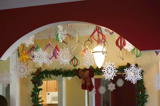 High impact low budget paper craft decorations for Christmas decorations easy to make at home