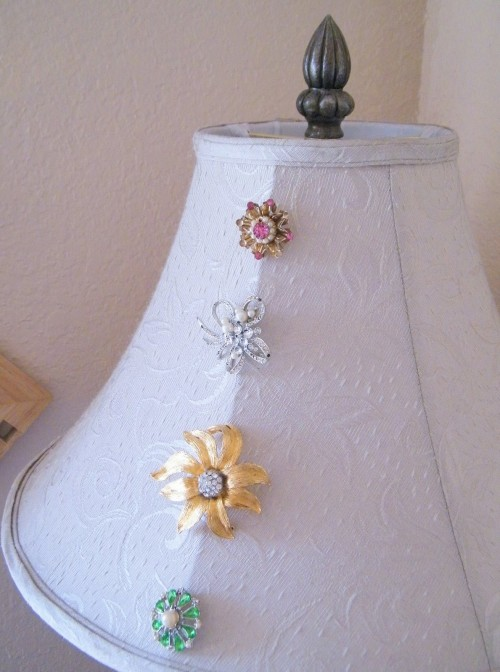 diy ideas and crafts using old vintage jewelry