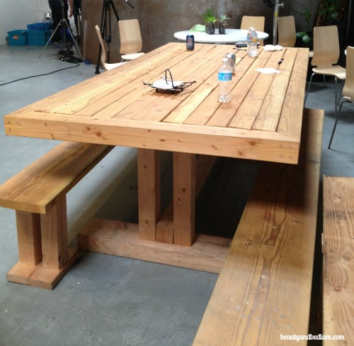 DIY Wood Pallet Table