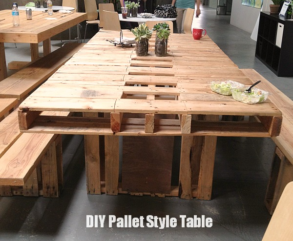 Inspiring diy wood pallet projects balancing beauty and - Table a manger palette ...
