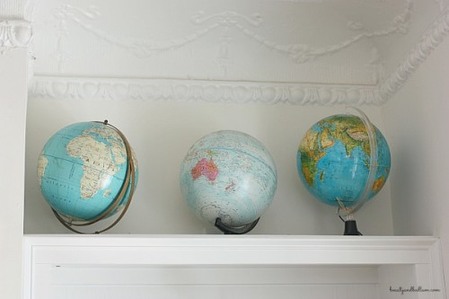 Globes are such a wonderful way to decorate on a budget. Lots of wonderful inspiration.