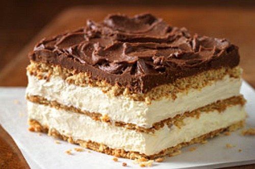 Graham Cracker Eclair No Bake Cake. Whips up in minutes