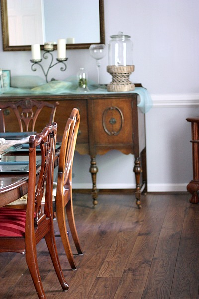 Mohawk laminate flooring in dining room