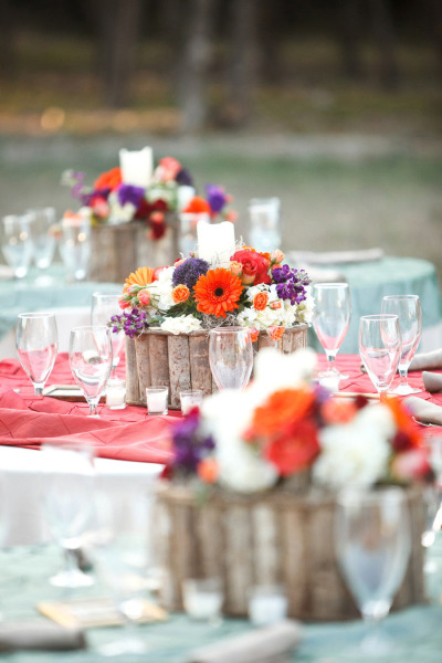 Use stumps clumped together for tablescape base