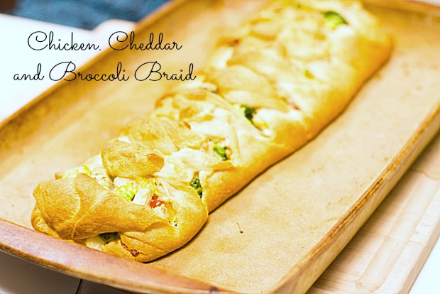 Easy Chicken, Cheddar and Broccoli Braid with video tutorial