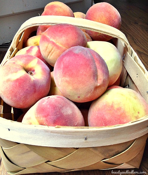 Beautiful Fresh Peaches and how to peel these in a few minutes