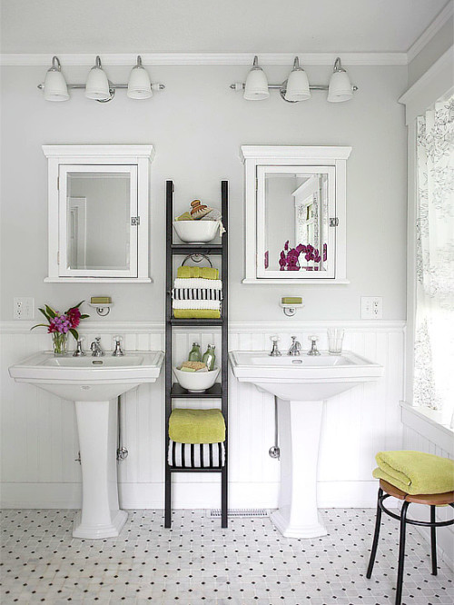 Love this bathroom inspiration. Free printable for Speed Cleaning a bathroom in minutes