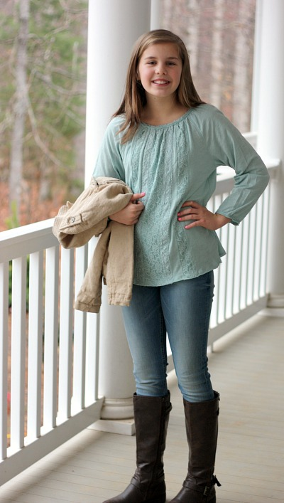 Love this adorable embroidered top