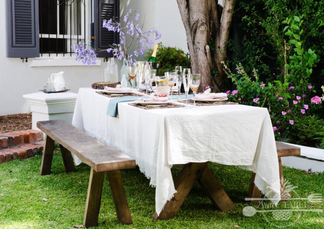 Farmstyle rustic table setting