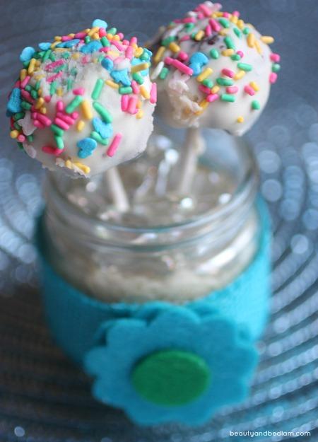 Festive Cake Pops - confetti ones are so fun