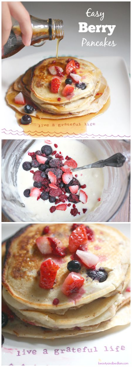 Make these delicious berry pancakes. With a touch of yogurt, they are the perfect breakfast starter.