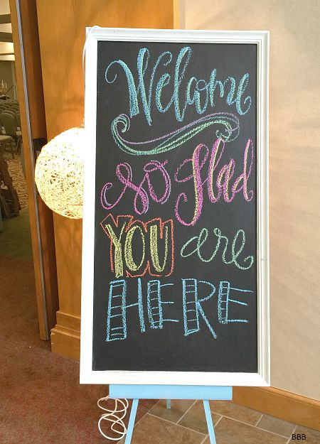 Make this huge chalkboard for $7 -love this