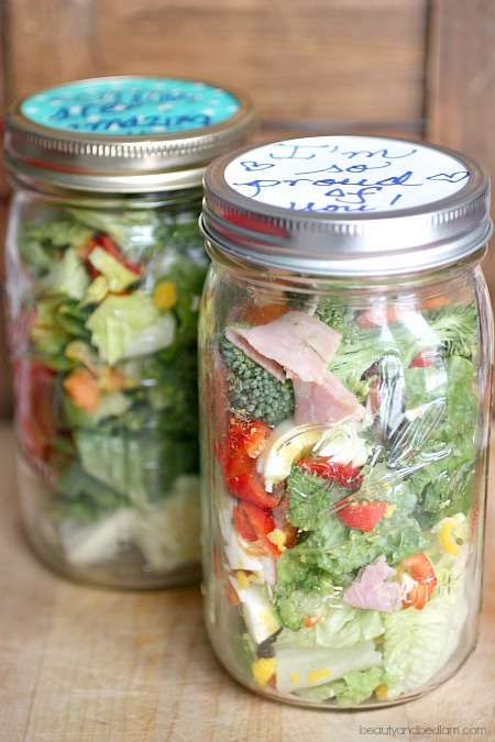 Mason Jar Salads are the perfect healthy lunch idea