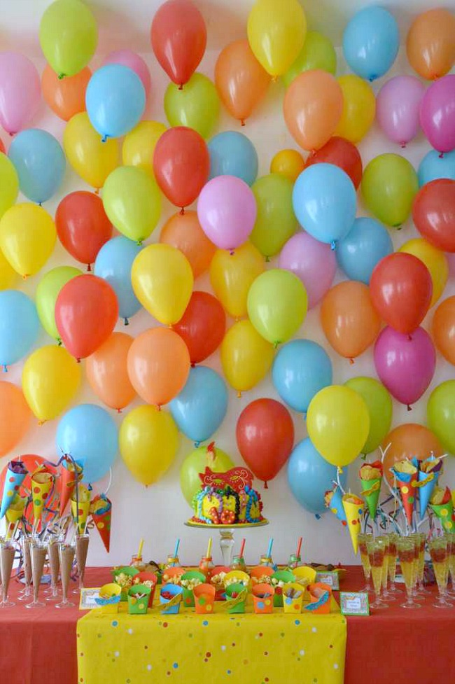 colorful-balloon-wall-party-ideas