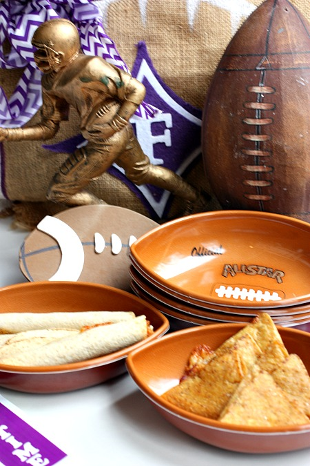 Game food for football tailgating